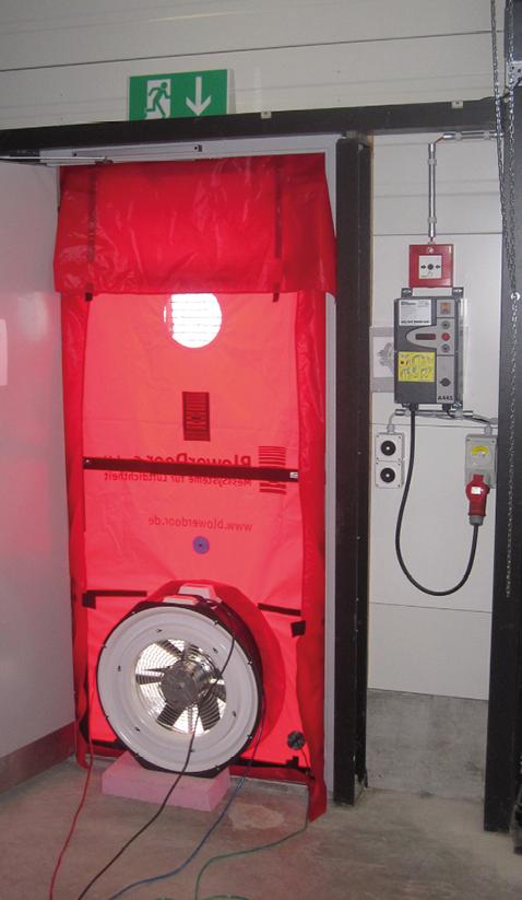 Eingebautes Blower-Door-Gerät.