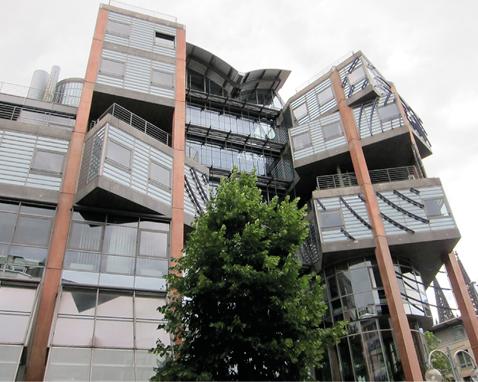 Eine komplexe Baustruktur führt zwangsläufig auch zueiner grösseren Bauteilfläche und verursacht so einegrössere Umweltbelastung und höhere Erstellungs- und Betriebskosten.