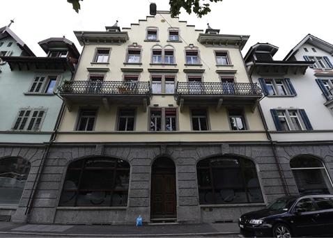 Ostfassade des sanierten MFH Vonmattstrasse 46.