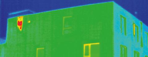 Die Abluft wird nach Abkühlung im Wärmetauscher via Hinterlüftung nach aussen geführt.