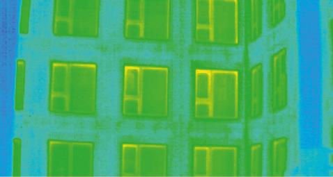 Auch bei den zum Hof hin orientierten Fassaden sind keine Einflussfaktoren von Wärmebrücken oder luftundichten Stellen feststellbar.