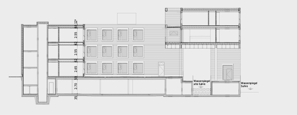 Gebäudeschnitt durch Erschliessung/Bürobereich